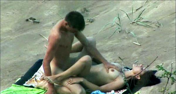 Beach Sex - HD Spy Cam Movies